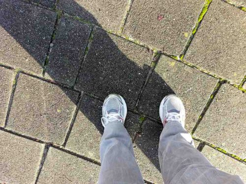 Gezegdes en spreekwoorden over voeten, benen en lopen