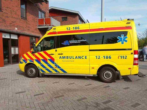Plotseling was ik verlamd, met gillende sirenes naar het ziekenhuis